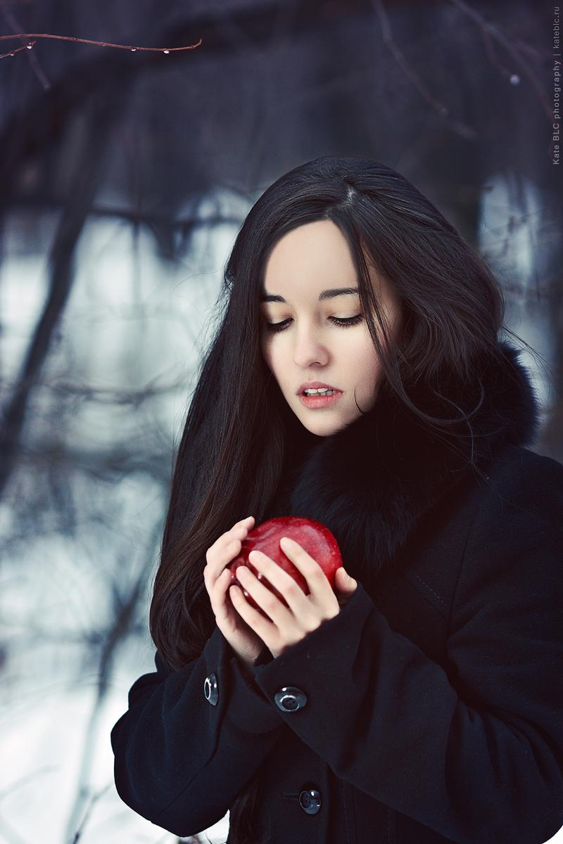Фотосессия в лесу. Зимняя фотосессия. Портретная фотосессия. Фотограф Катрин Белоцерковская