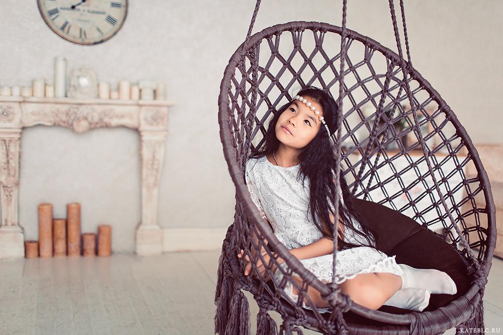 Фотосессия в студии для девочки. Фотосъемка для портфолио