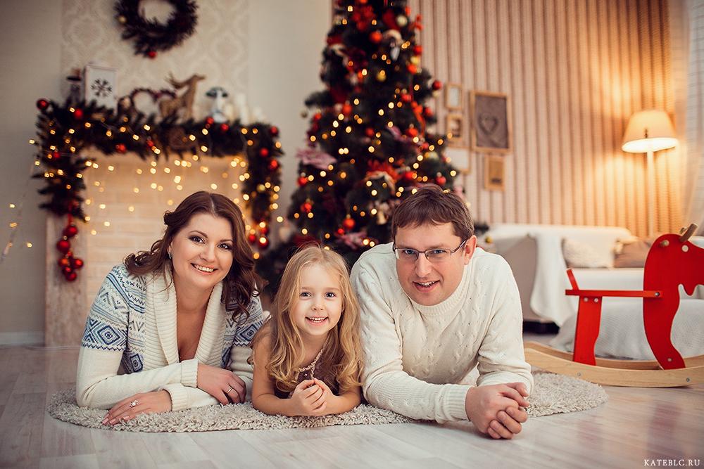 Новогодняя семейная фотосессия фото идеи