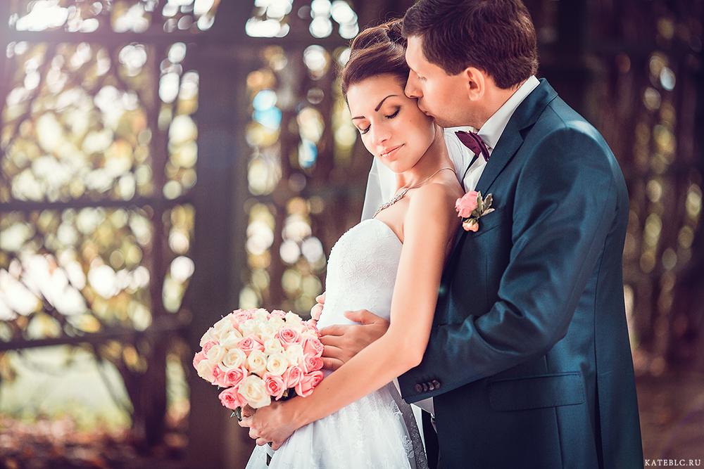 <h1>Свадебный фотограф</h1> в Москве