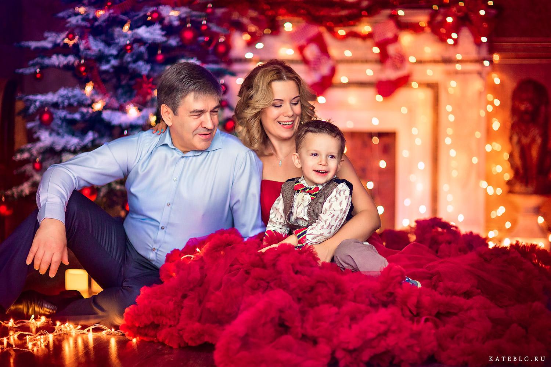 Новогодняя фотосессия для семьи. Сказочная фотосессия на новый год. Семейный фотограф Катрин Белоцерковская