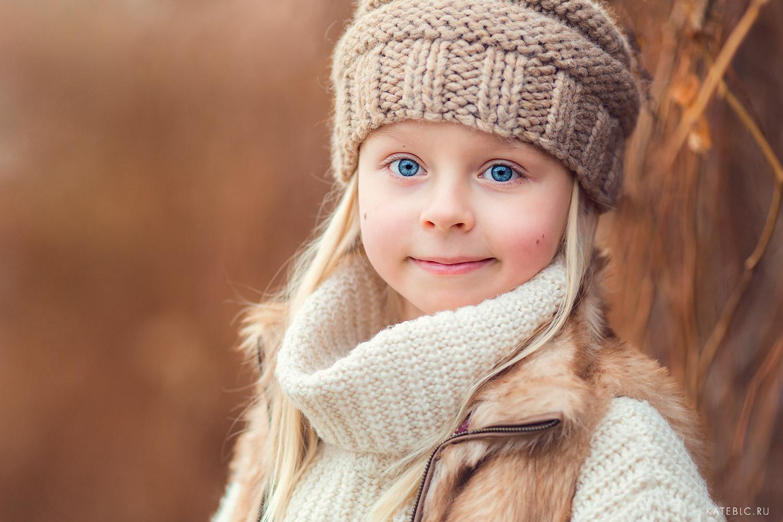 Фотосессия на природе для девочки. Детский фотограф Катрин Белоцерковская