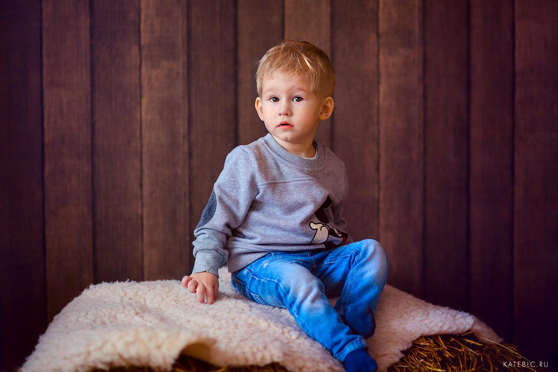 Портрет мальчика в студии. Детский и Семейный фотограф Катрин Белоцерковская
