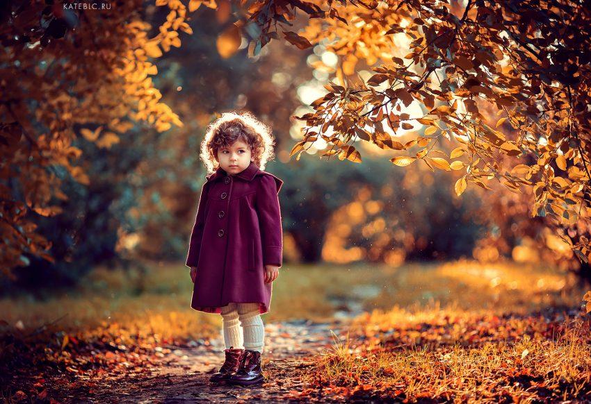 Осеняя фотосессия для девочки в Москве. Семейный фотограф Катрин Белоцерковская