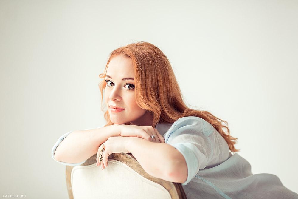 Портрет девушки. Фотосессия для беременных в Москве. Фотограф Катрин Белоцерковская