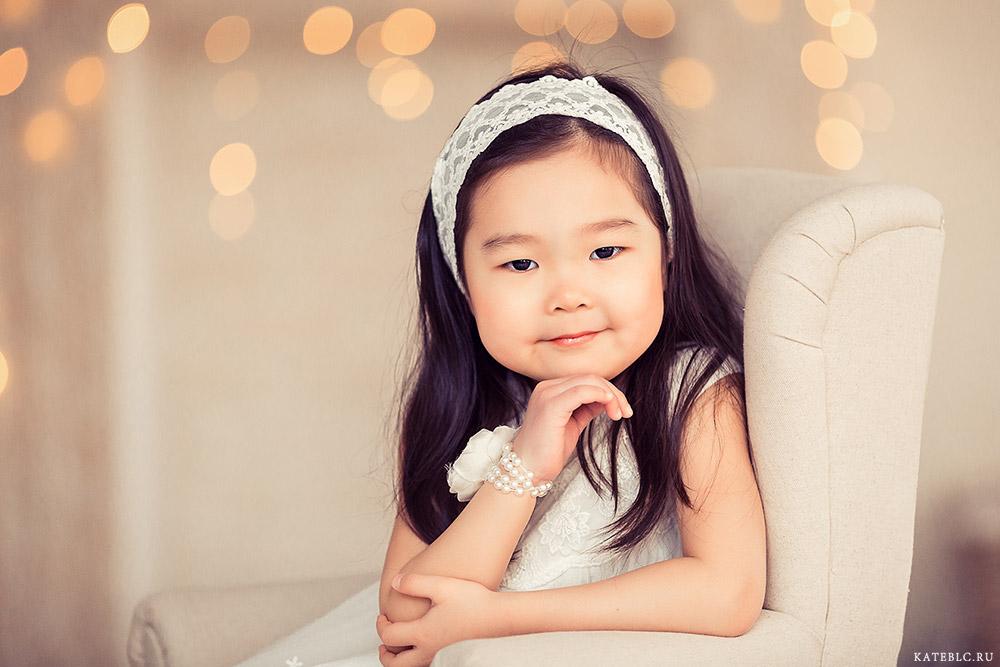 детский портрет в студии. Фотограф Катрин Белоцерковская