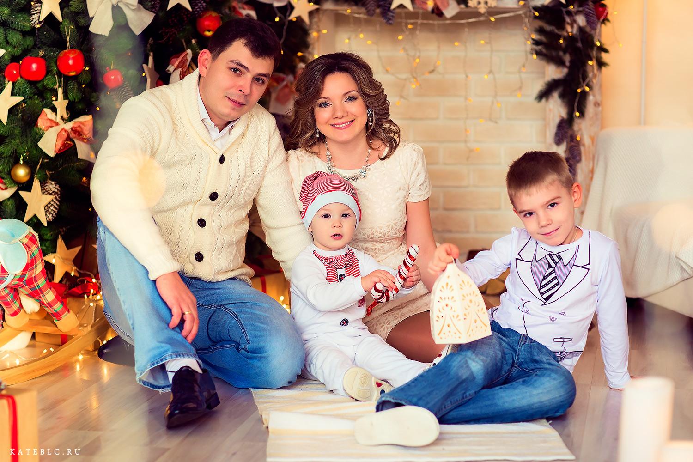 Фотосессия у елки на новый год