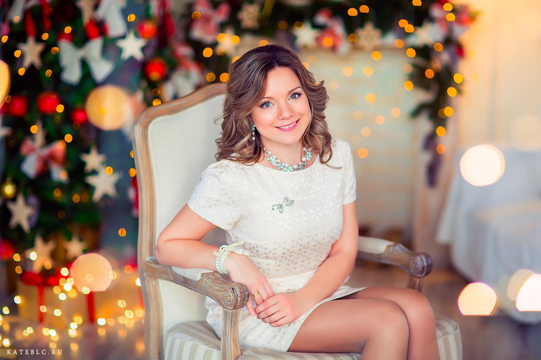 Портрет девушки новогодний