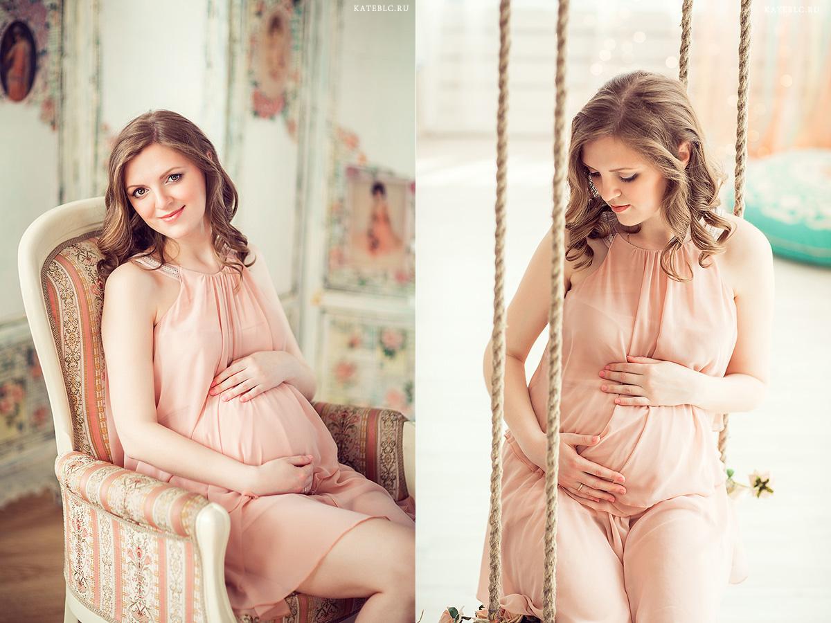 нежная фотосессия беременности в студии. Фотограф Катя Белоцерковская