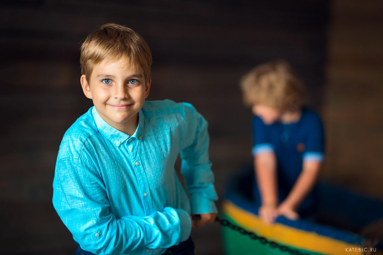 Стильная фотосессия в синих тонах. Морская тема в фотосессии
