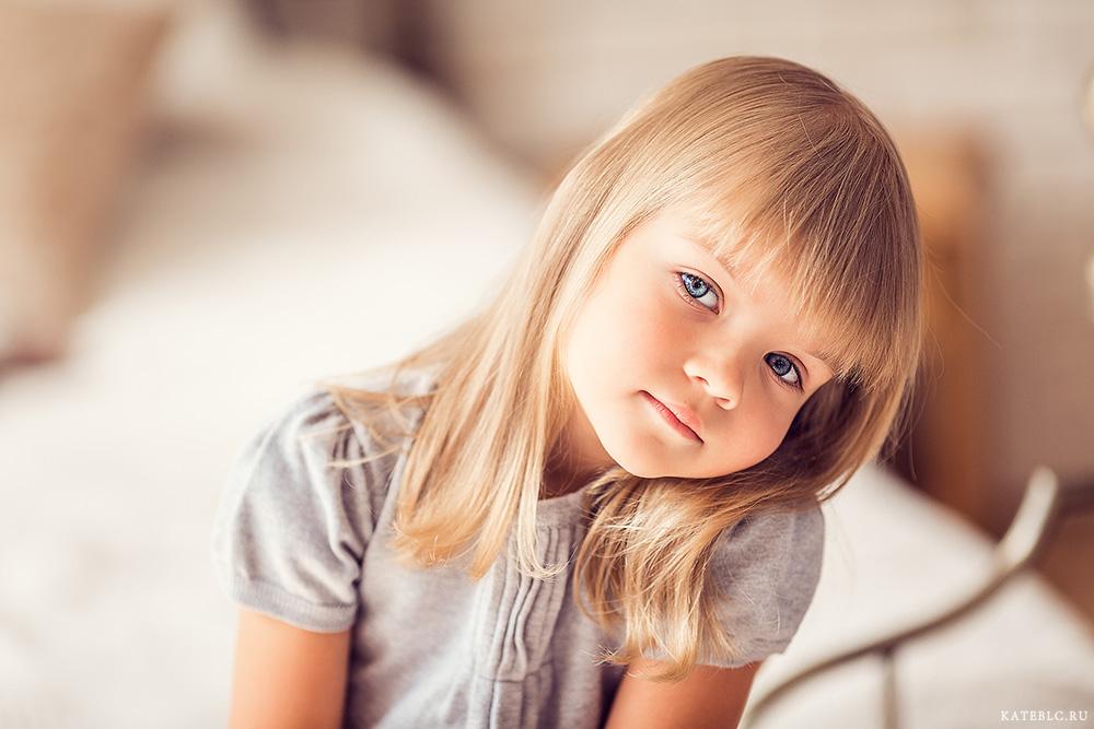 Фотосессия для девочки в студии. Фотограф Катрин Белоцерковская. kateblc.ru