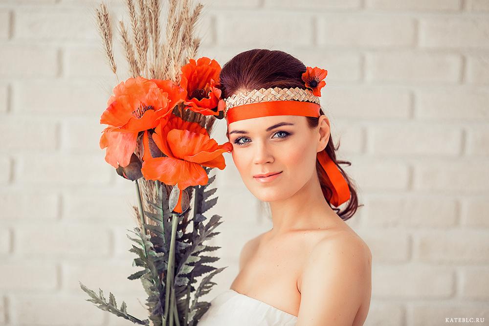 Фотосессия с маками в студии. Портртеная фотосъемка. Фотограф Катрин Белоцерковская kateblc.ru