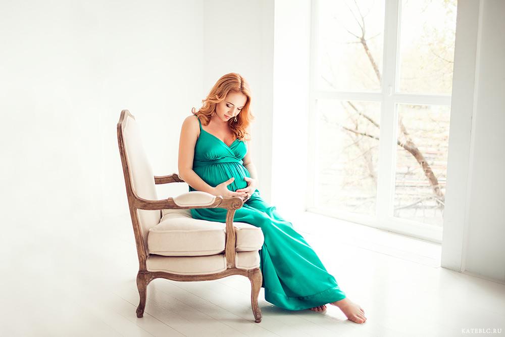Фотосъемка беременности в фотостудии. Фотограф Катрин Белоцерковская