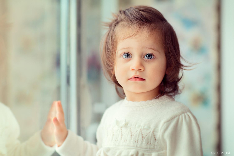портрет девочки. детская фотосессия в студии. мастер-класс по фотографии в риге