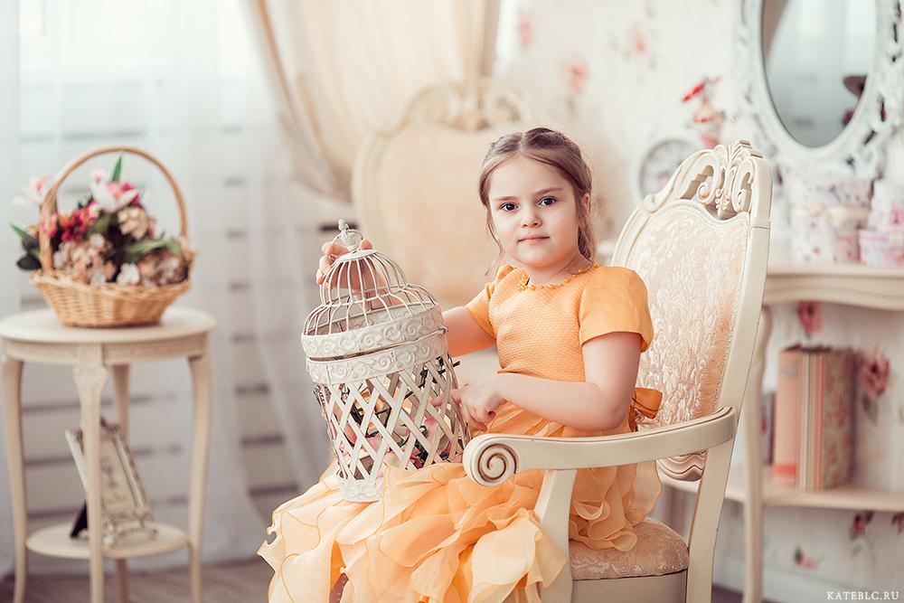 Портрет девочки в студии. Детский фотограф Москва
