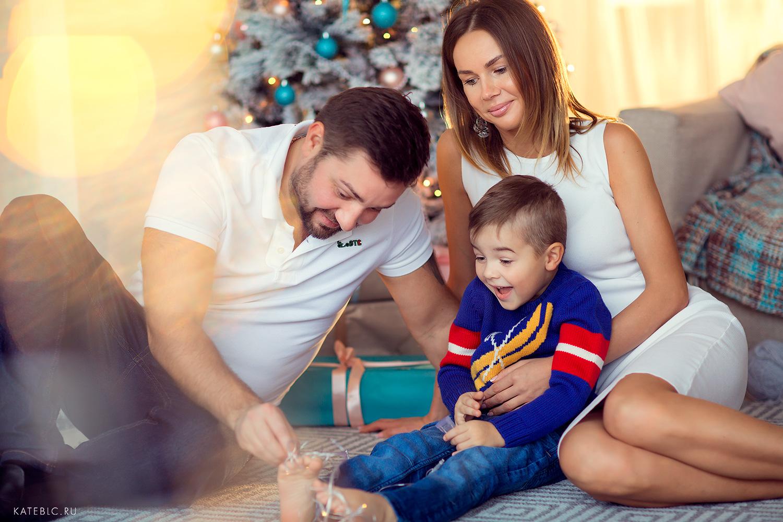 Семейная фотосессия в студии. детский фотограф Катрин Белоцерковская