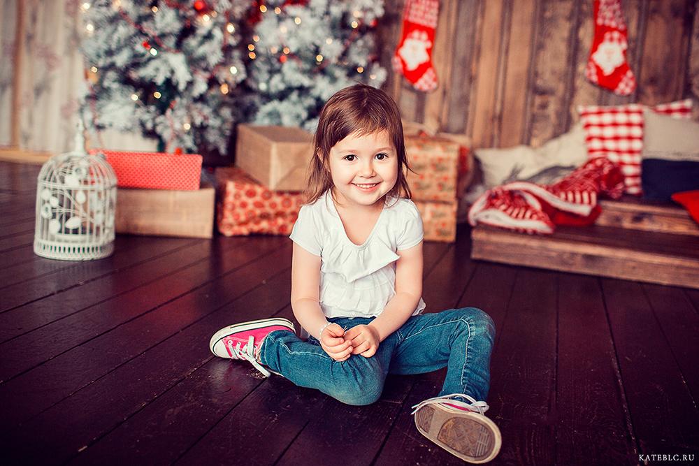 Фотосъемка с елкой для детей Москва