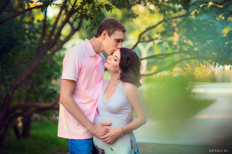 Фотосессия беременности в парке. Фотограф Катрин Белоцерковская