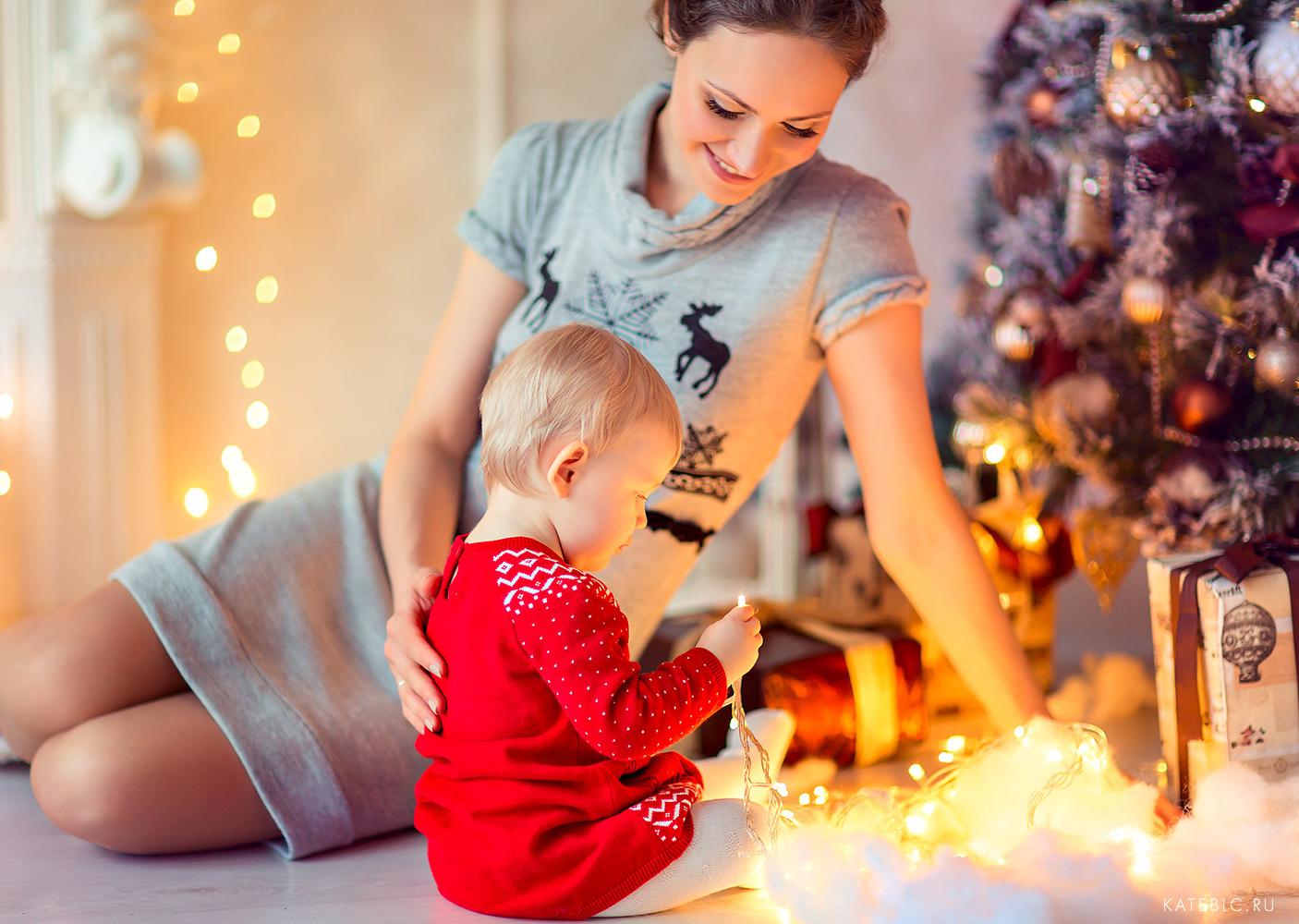 Новогодние фотосессии в студии с маленьким ребенком. Детский и семейный фотограф Катрин Белоцерковская
