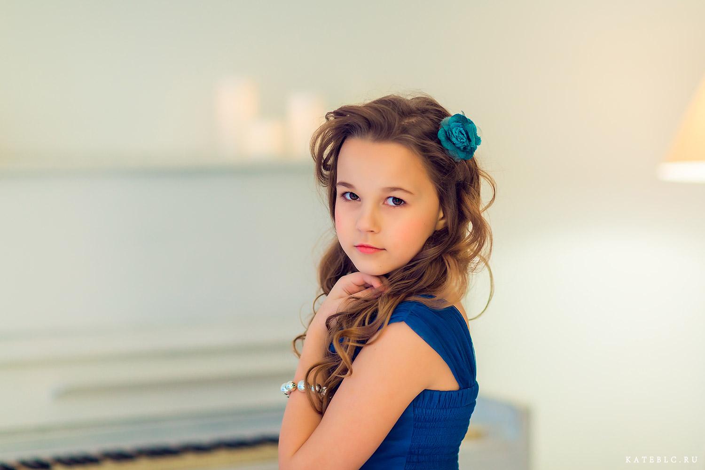 Фотосессия на день рождения для девочки. Детский и семейный фотограф Катрин Белоцерковская. kateblc.ru
