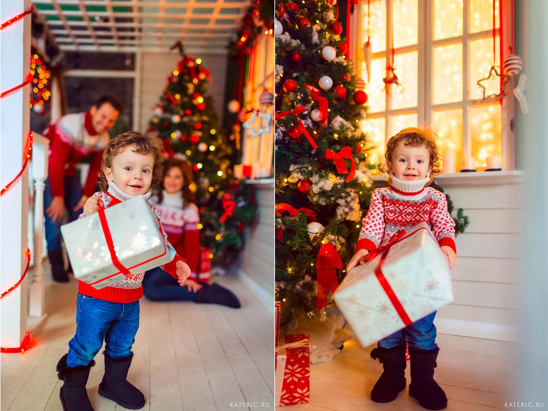 Малыш с подарком. новогодняя фотосессия для семьи в студии москва