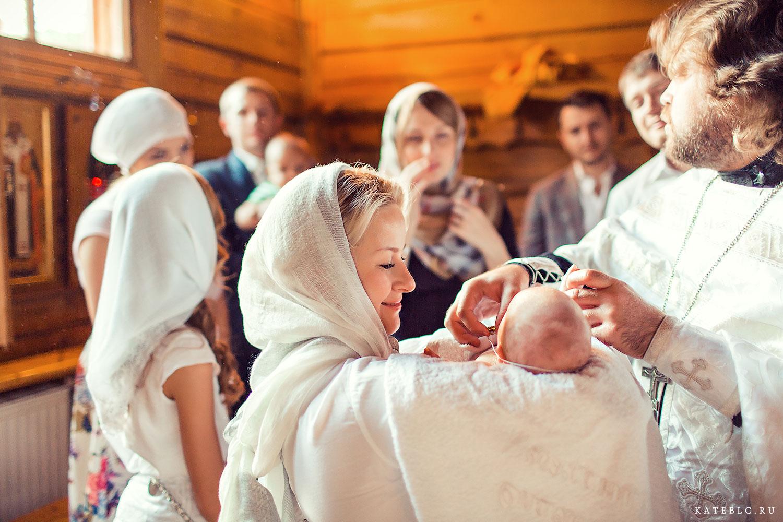 Фотосъемка крещения в храме