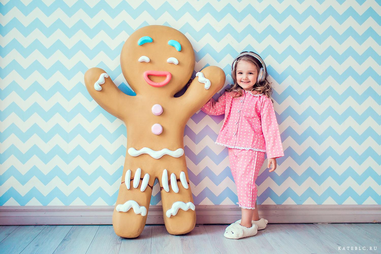 Фотосессия девочки в пижаме. Коммерческая фотосъемка в студии для детей