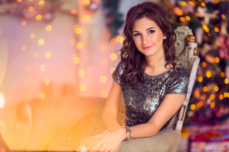 Портрет девушки в студии. Фотограф Катрин Белоцерковская